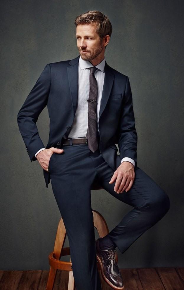 que corbata me pongo con traje azul marino oscuro - Buscar con Google f5cc3ccdb40