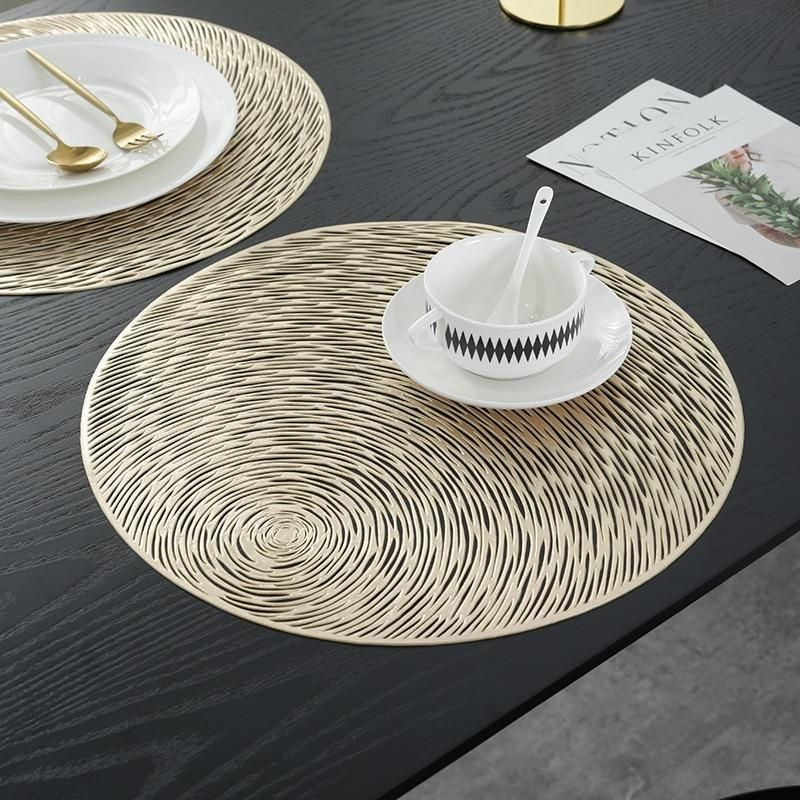 Looking For Giving Your Dining Table A Unique Look And Impress Your Guest Try These Creative Round Shap Dining Table Placemats Round Dining Table Dining Table