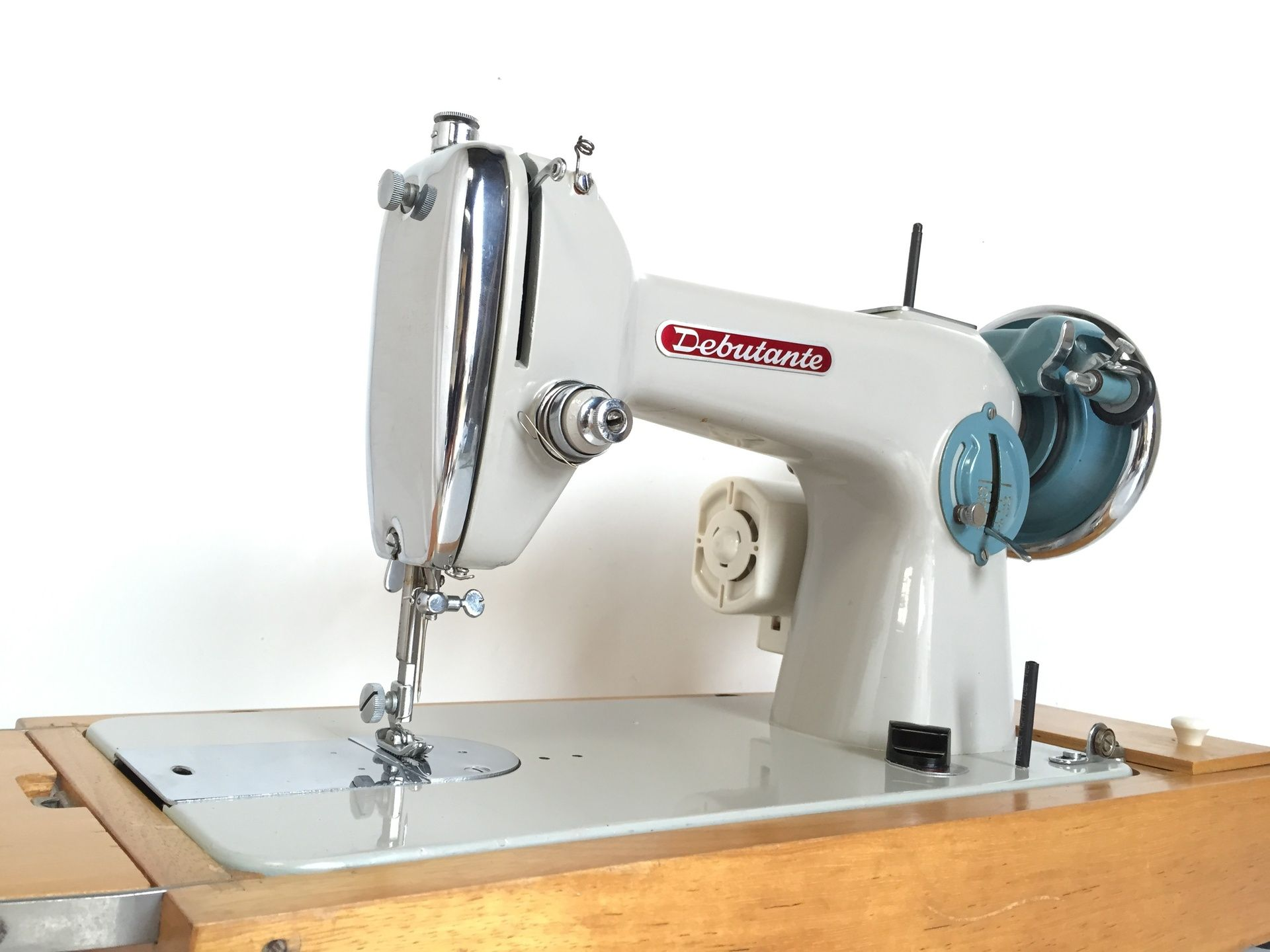Buy Second Hand Industrial Sewing Machine