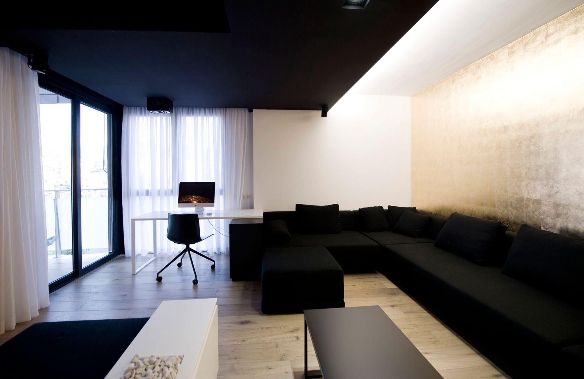 Interior ultra minimalist black and white home interior design