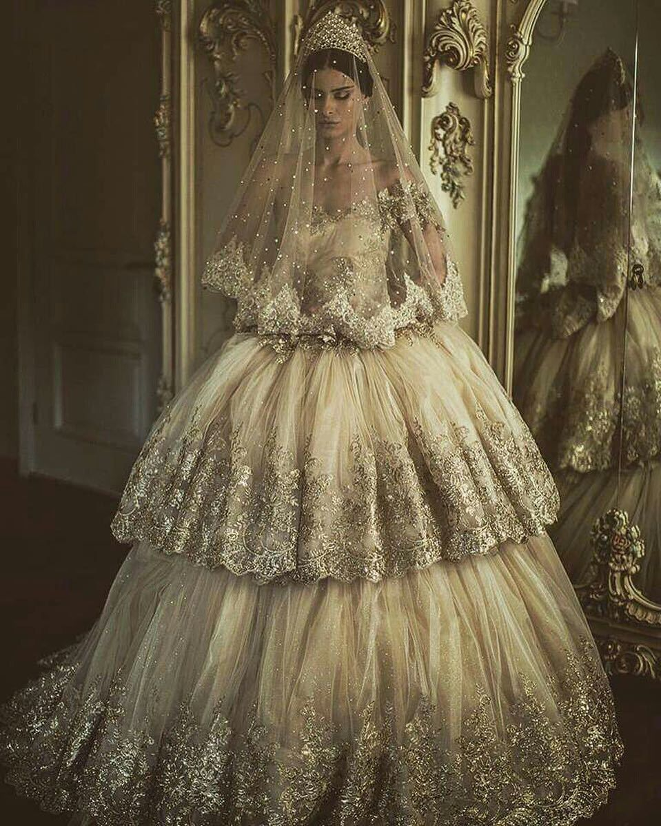 Parukeri Estetike Merita Wedding Dress