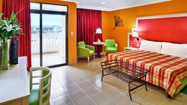 El Quinta Avenida Habana es un hotel 5 estrellas con un estilo casual pero sofisticado lo cual le permite combinar tanto los negocios como el ocio, también se beneficia de los colores llamativos usados como parte de la decoración. #habana #hotel #cuba