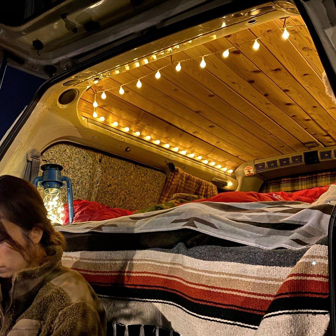 Jun On Instagram 夜はあったか車内でゆっくりnetflixでも 最近あんまりハマれるのがないけど Vanlife Vanlifer Vanlifejapan Campervans キャンプ用品 キャンプギア キャン キャンプ 女子 あったか キャンプ用品