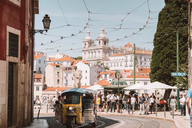 The Perfect Lisbon Itinerary: 2 Days in Lisbon, Portugal | In Between Pictures #lisbon