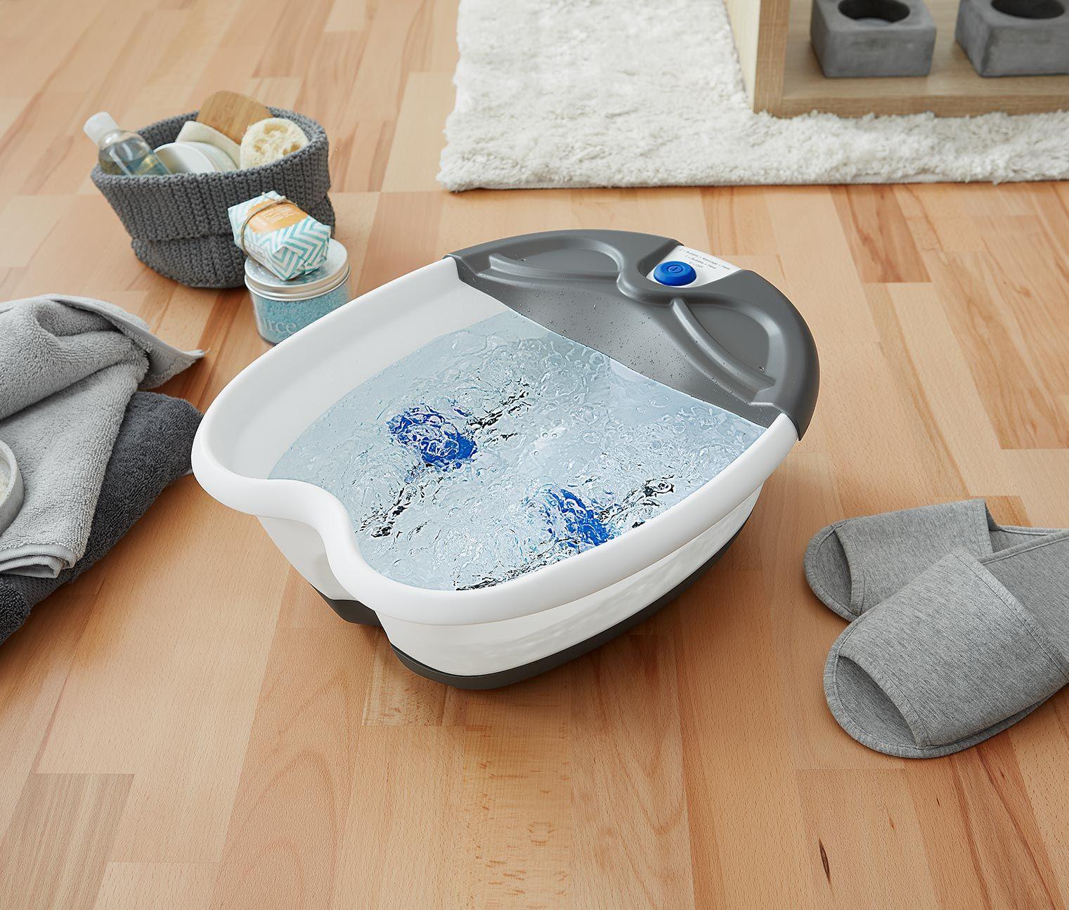 39,95 € 2 in 1: Sprudelbad und Reflexzonenmassage  Das tut müden Füßen gut! Dieses Fußbad bietet zwei wohltuende Programme, die strapazierte Füße beleben und erfrischen können.
