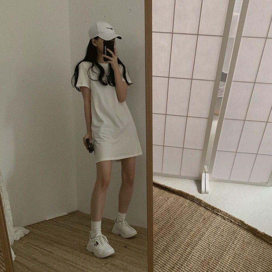 Korean Fashion Aesthetic Outfits Minimal Minimalist Minimalistic Soft Kfashi In 2020 Online Shopping Clothes Women Fashion Inspiration Design High Fashion Street Style
