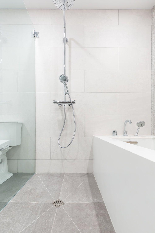 Simple and Clean Bathroom Porcelanosa tile Msi Arctic White Quartz ...
