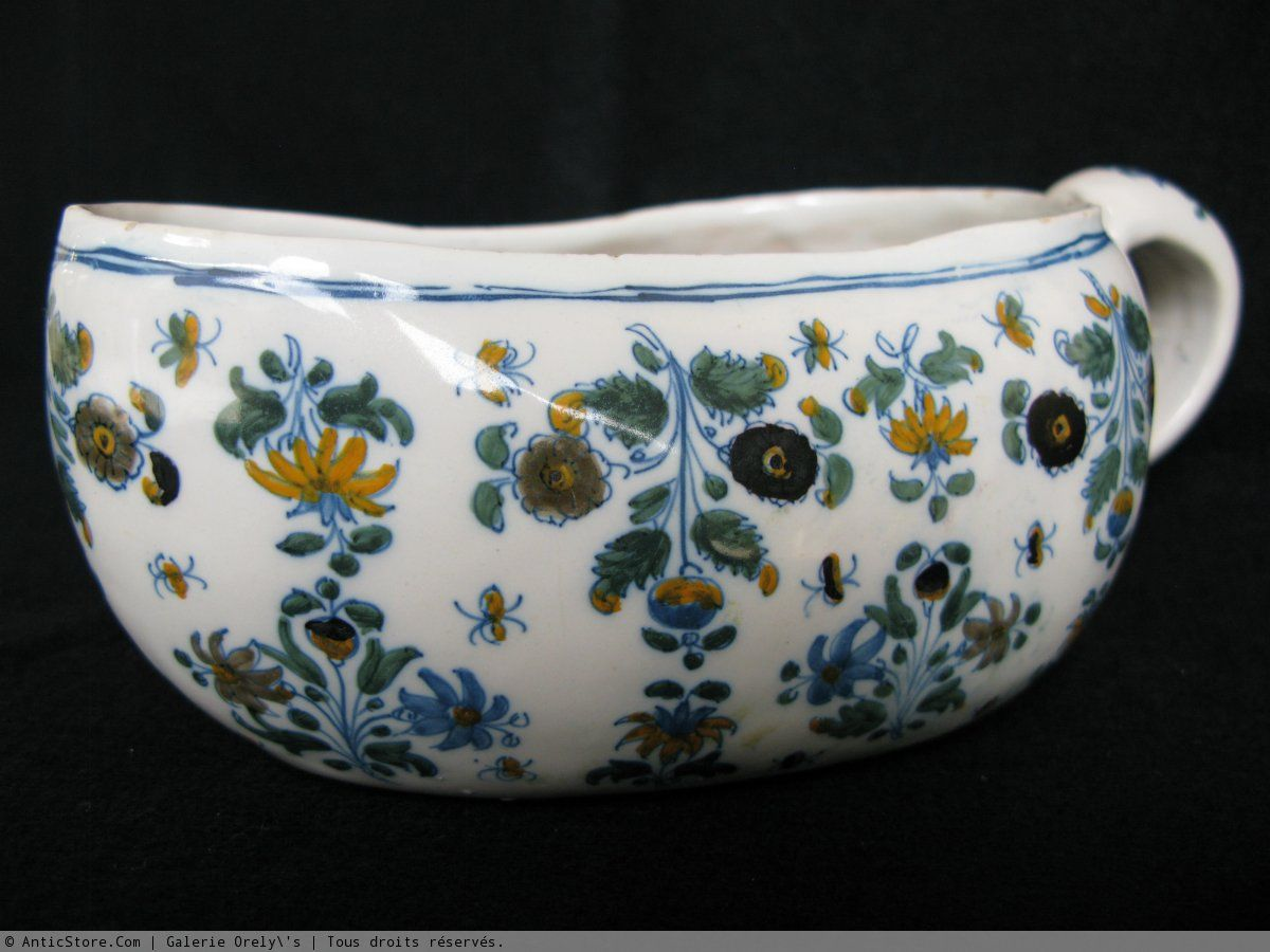 Bourdaloue en faïence de MOUSTIERS - XVIIIème siècle   Faïence ... 1685ffe4eb0b