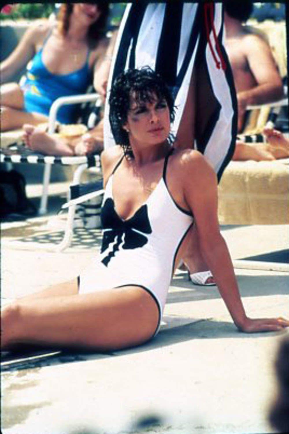 Linda harrison signed autographed sexy bikini photo