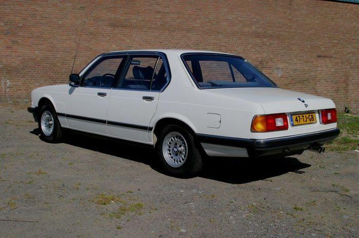 BMW 728i - 1984