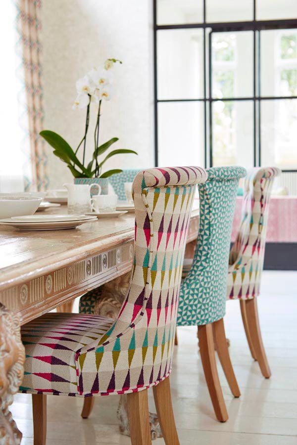 Sillas de comedor con diferentes tapizados de harlequin for Telas para tapizar sillas comedor