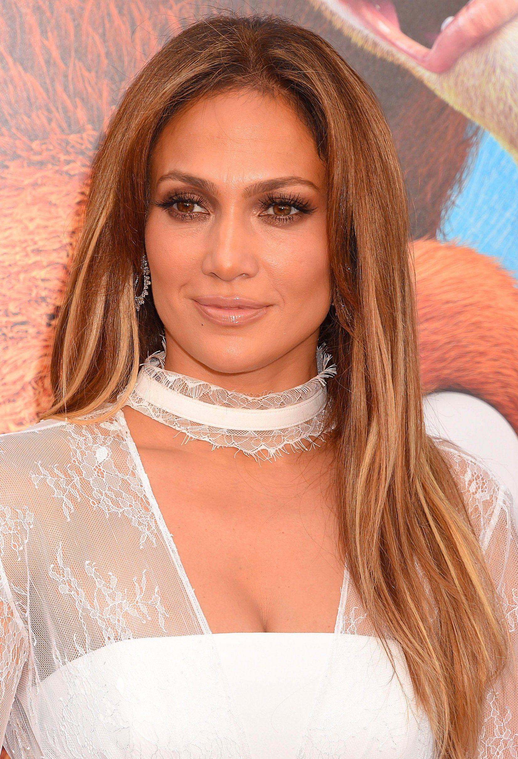 Un balayage blond miel me Jennifer Lopez Hair style