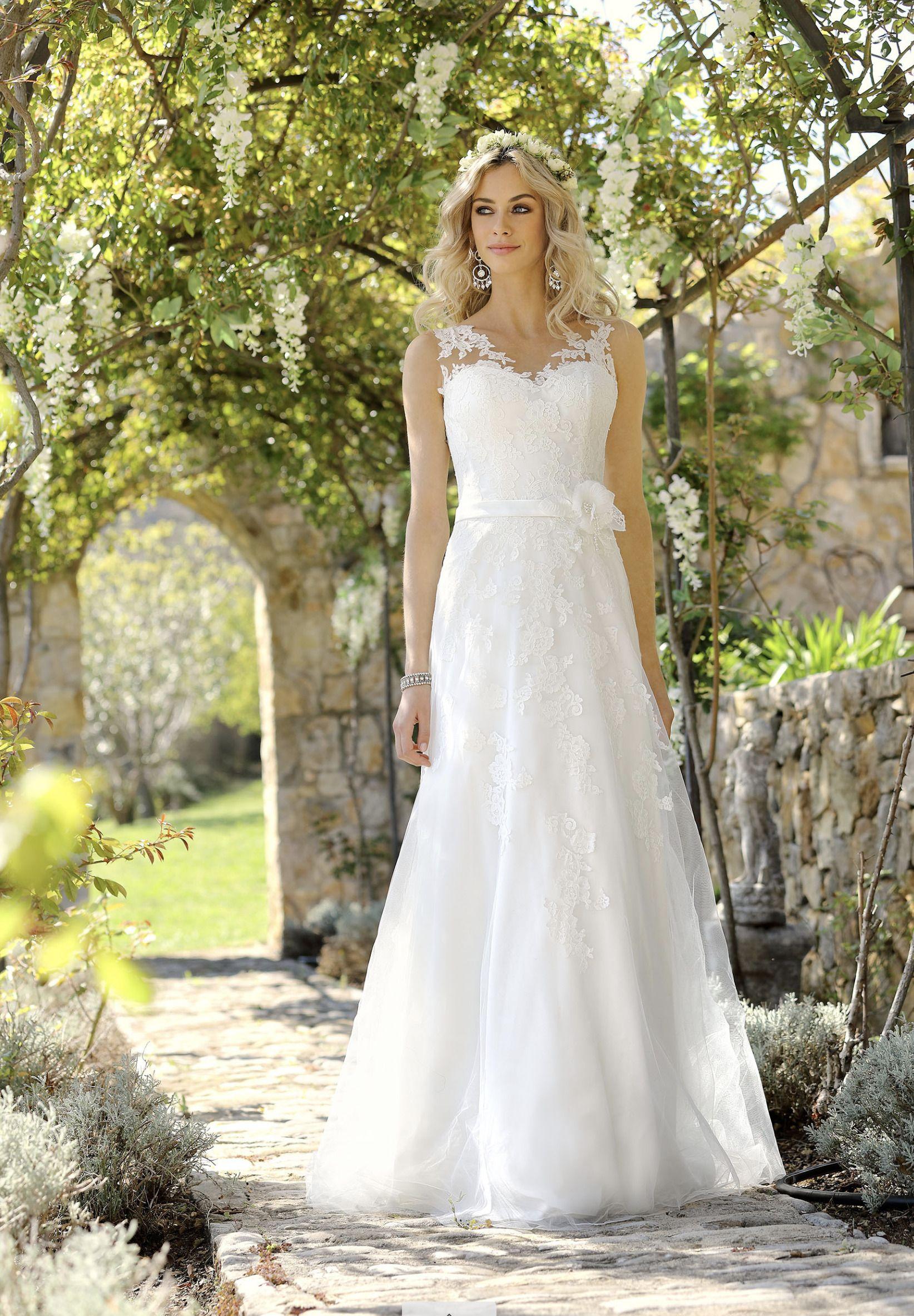 Tolles Brautkleid In A Linie Von Ladybird Brautkleid Bridalwear Ladybird Wedding Hochz Hochzeitskleider Vintage Brautkleid Vintage Hochzeitskleid Ladybird