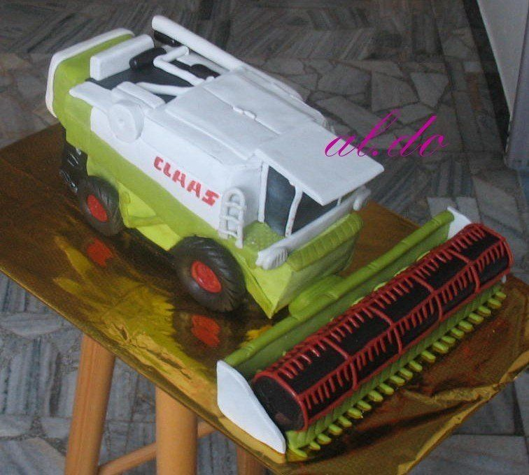 How To Make A Combine Harvester Cake