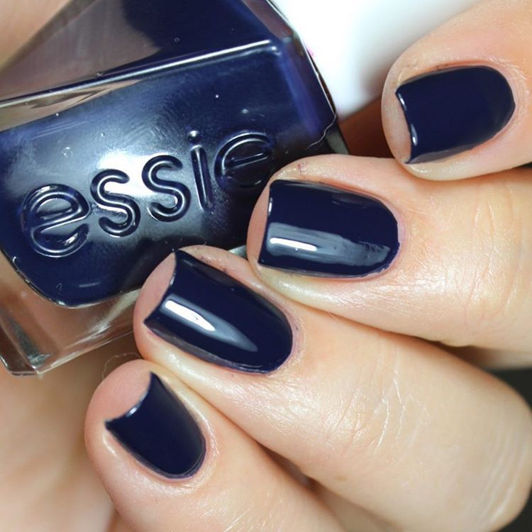 essie gel couture caviar bar\