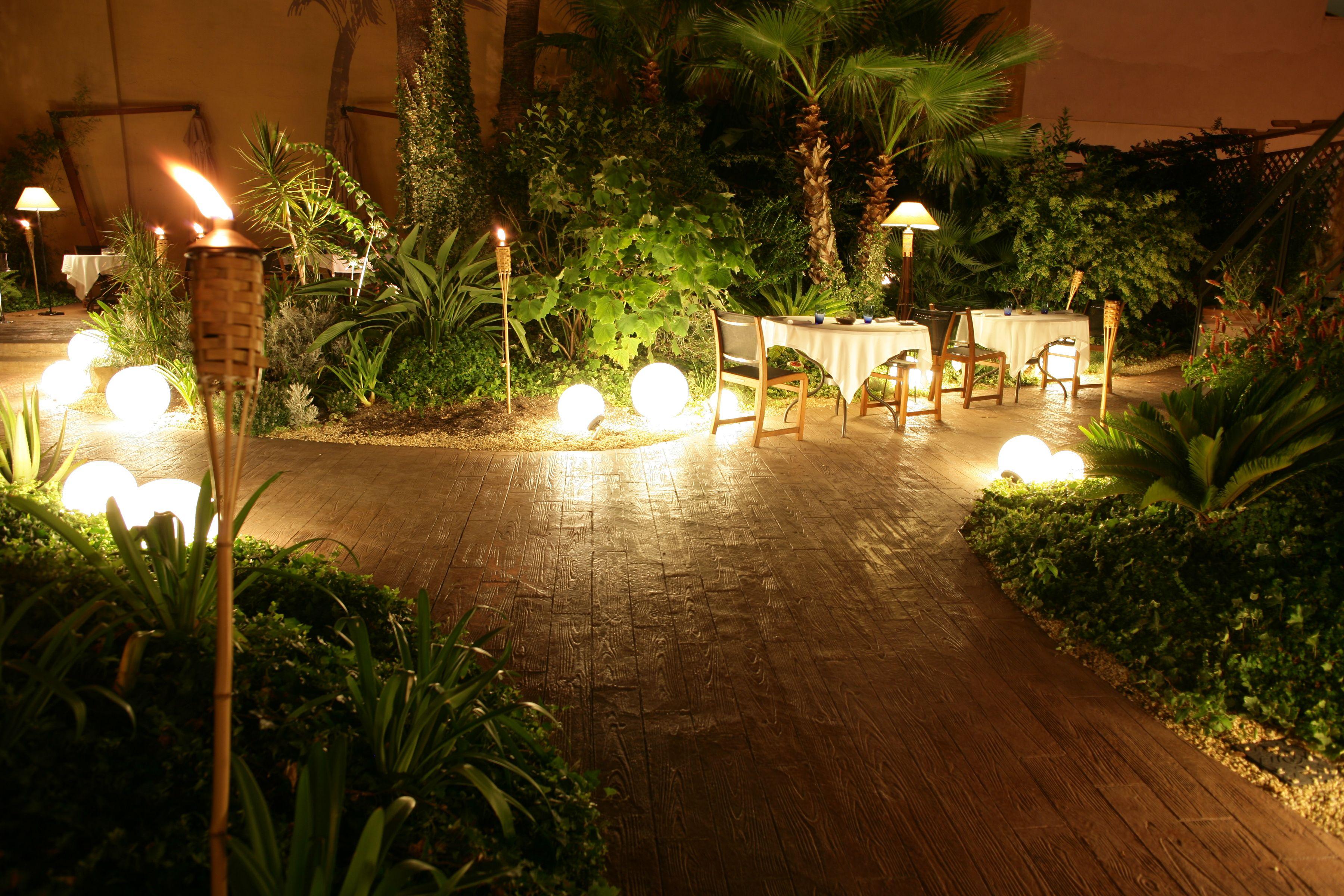 Nuestro #jardín esconde muchos secretos... Ven a descubrirlos de Miercoles a Domingo http://restaurantemontana.com/
