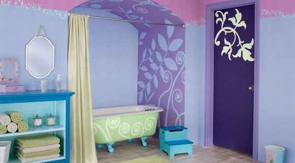 Tinkerbell bathroom if the girls ever have their own for Cuartos decorados de tinkerbell