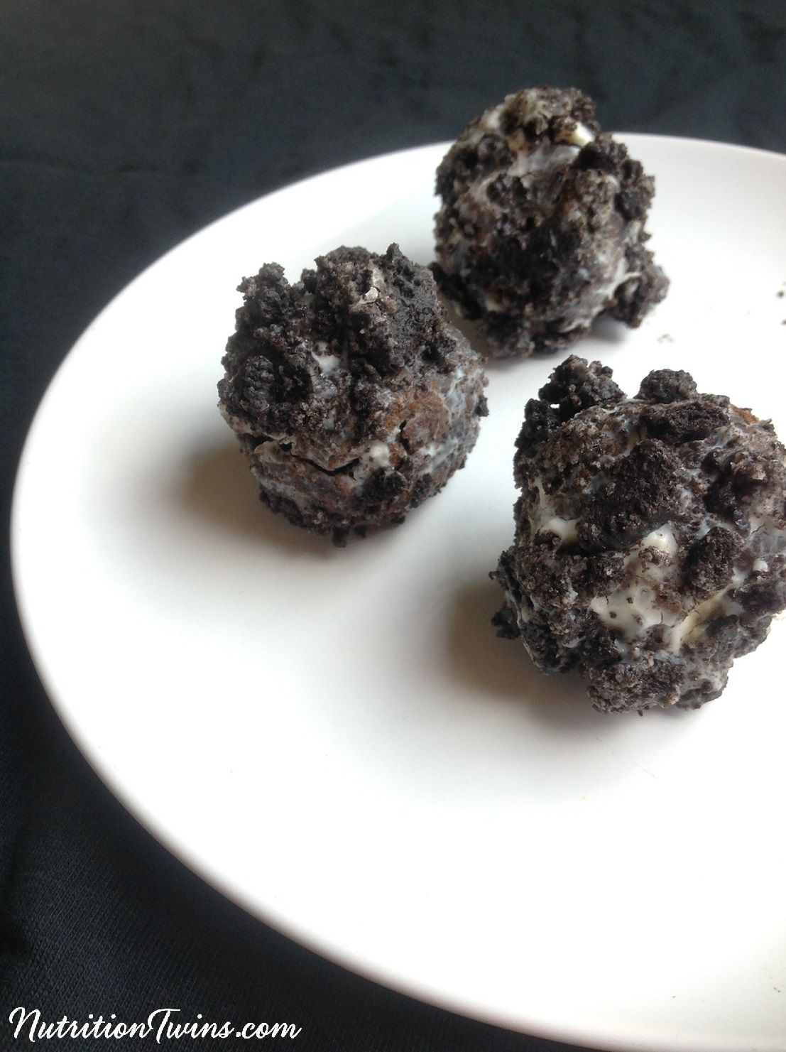 Skinny Oreo Balls Recipe With Images Healthy Sweets Yummy