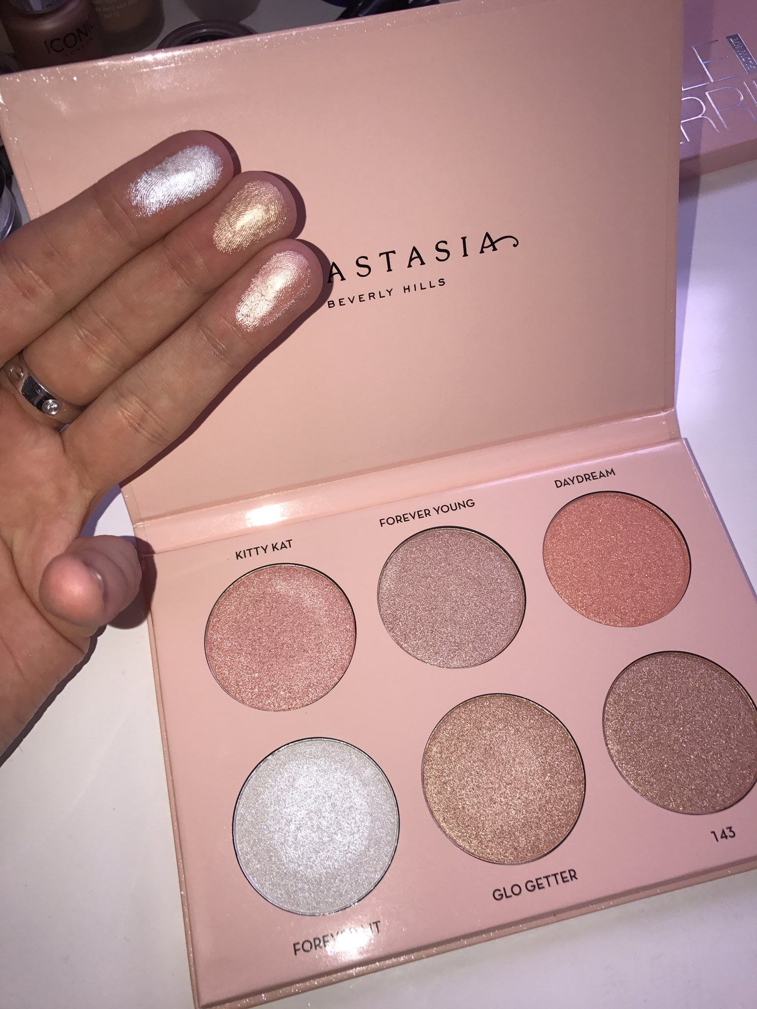Nicole Guerriero X Abh Glow Kit Can't Wait To Get My Hands On This