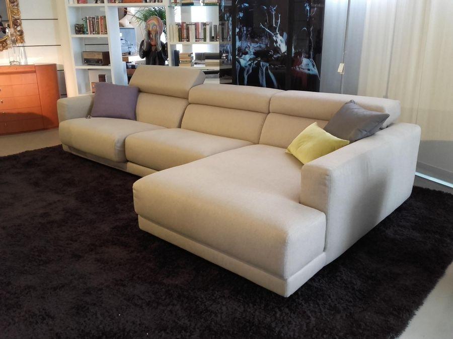 Splendido divano Busnelli condizioni impeccabili in tessuto nocciola ...