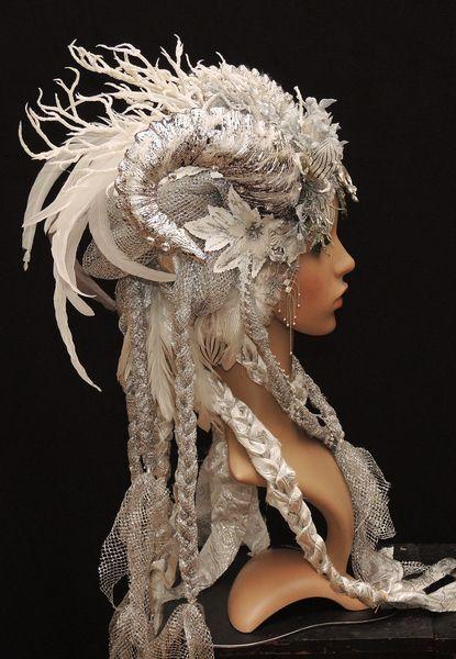 Ice Queen-Phantasie-Kopfschmuck-Headdress von Maskenzauber & Erlebenskunst auf DaWanda.com #ribbonart