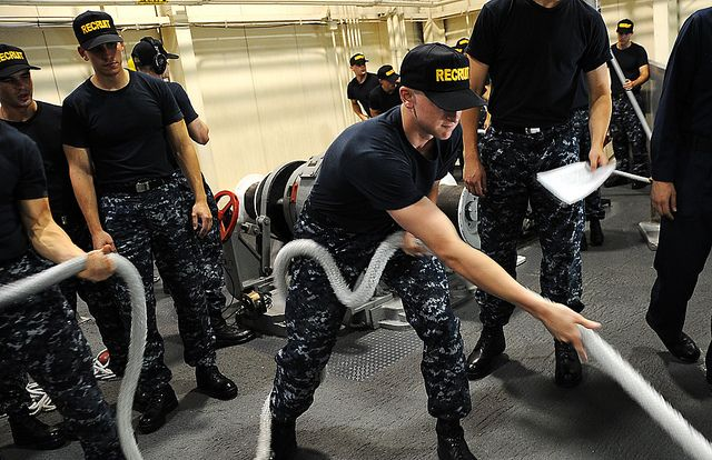 Divison 816 Trains At Uss Marlinspike Navy Day Joining The Navy Navy Mom