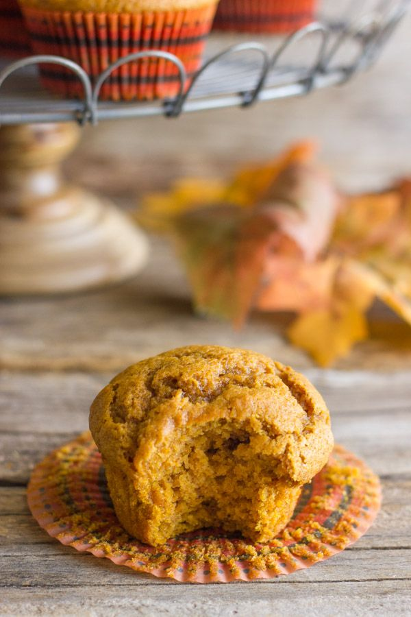 I'm telling you, these pumpkin muffins are the best I've ever tasted! Perfectly sweet with just a little spice and anything but dry! #pumpkinmuffins