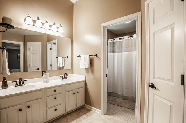 5257 Cherokee Court Carmel IN (With images) | Home ...