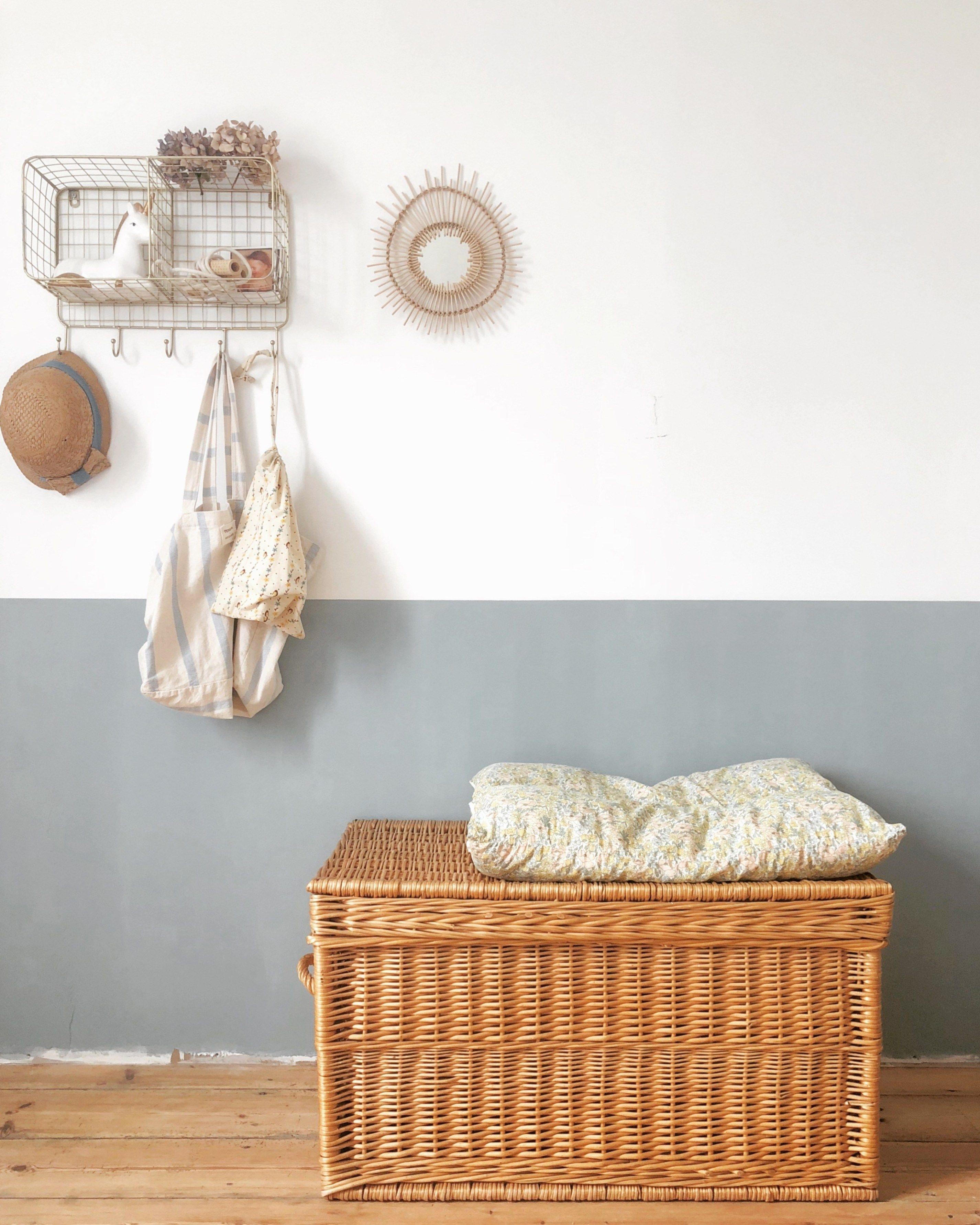 Bienvenue dans la maison normande de Cécile, Instagram Octobre et Mai | Maison normande, Meuble ...