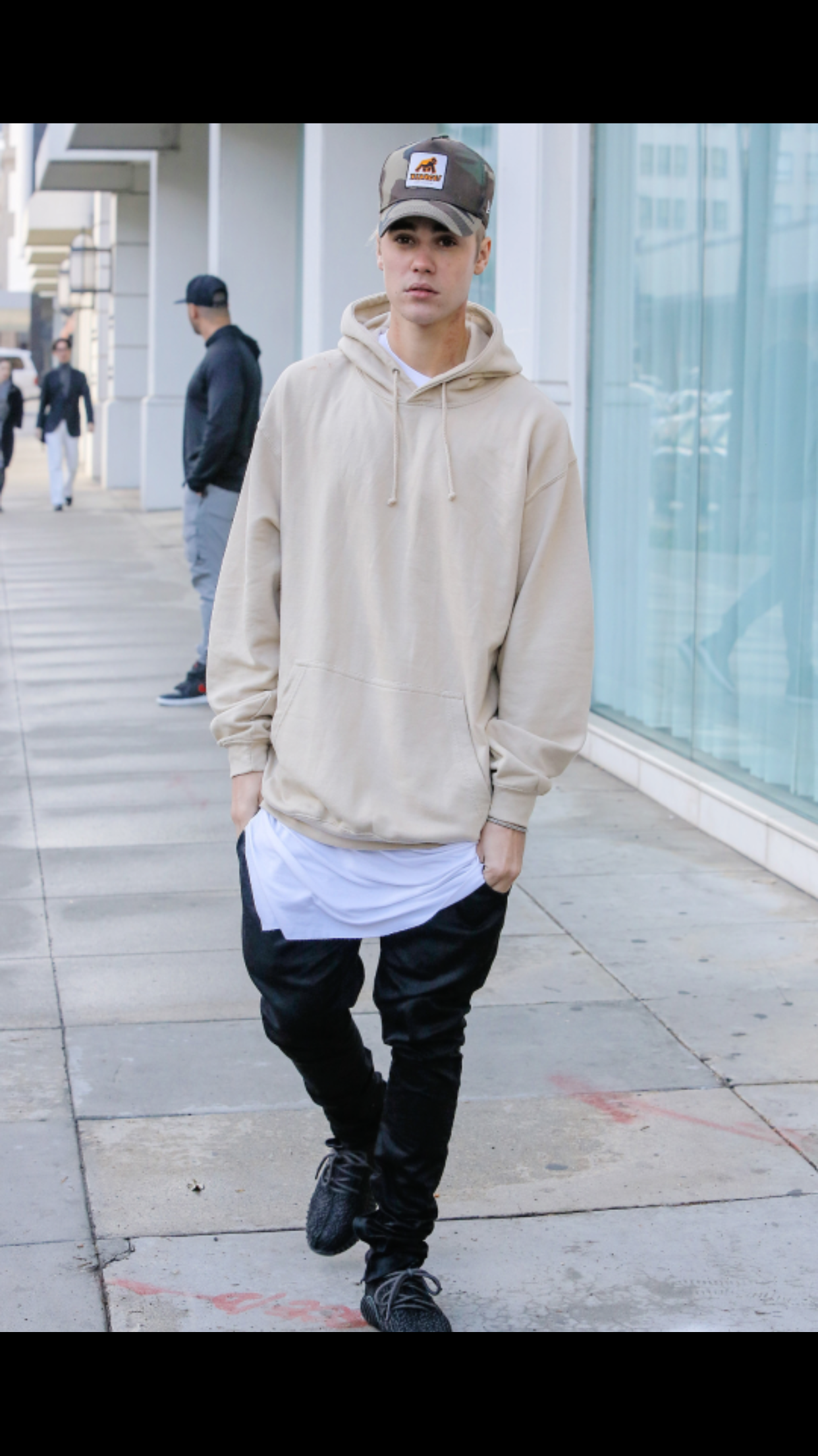 Bieber Sporting Pirate Black Yeezy 350 Boosts | Menu0026#39;s Streetwear Fashion | Pinterest | Yeezy 350 ...