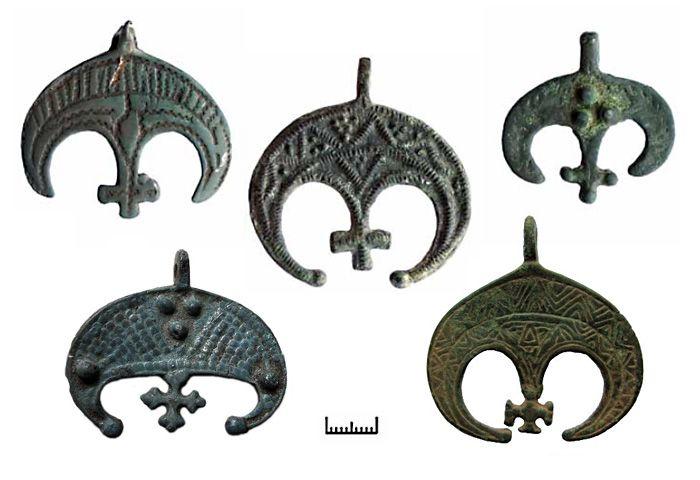 The Symbol Of Lunica Lunitsa Lunula Moon Symbol Is A Pagan