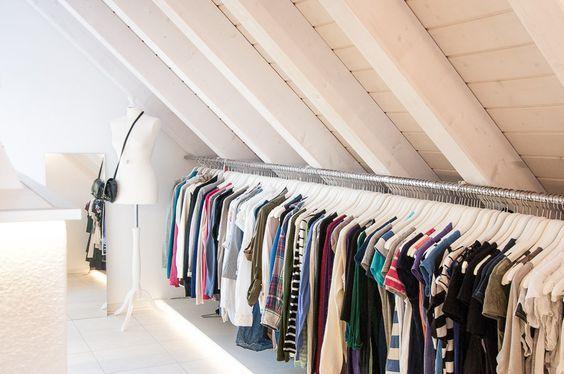 Kleiderschrank Dachboden begehbarer kleiderschrank mit xl kleiderstange dachboden