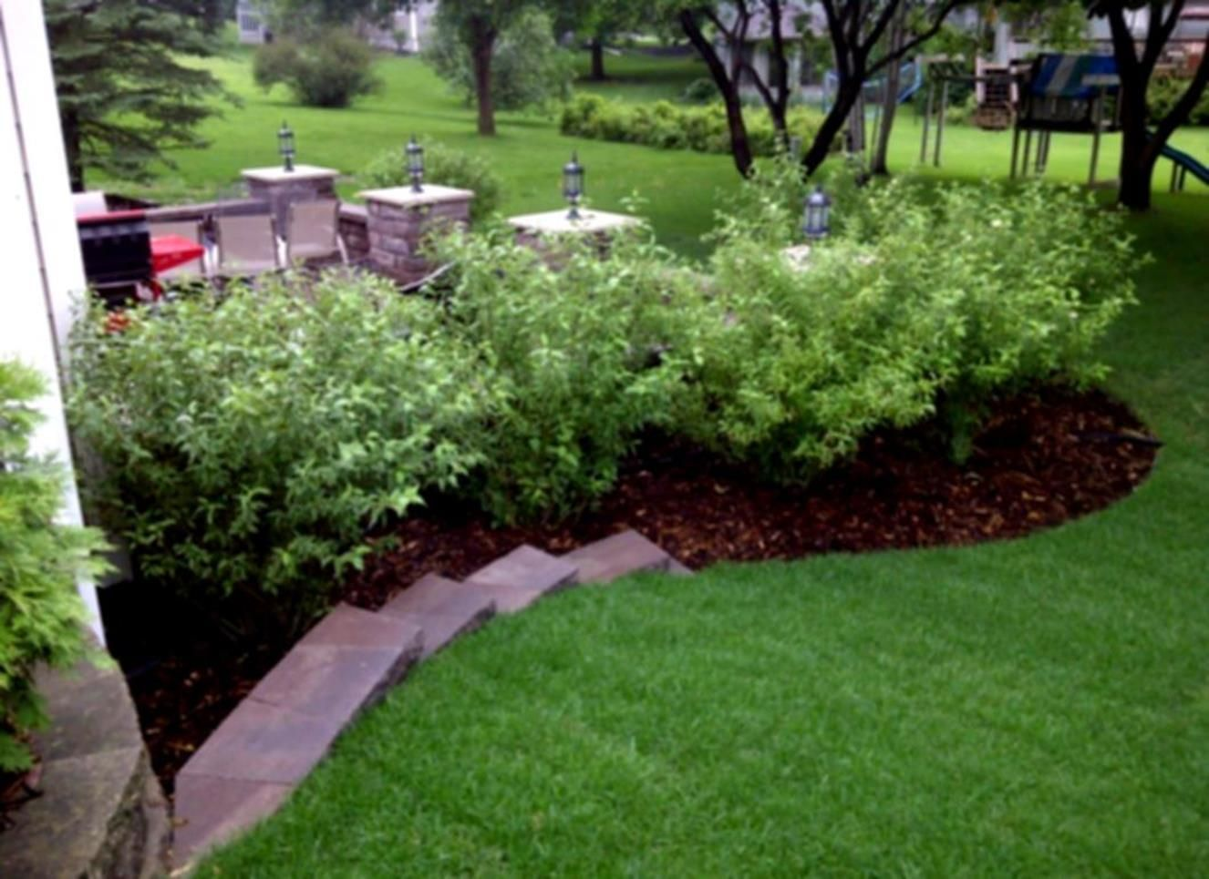 35 cheap landscaping ideas with rocks and mulch landscape design