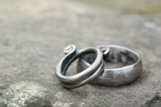 Make Your Own Wedding Rings at Exclusive Wedding Decoration and