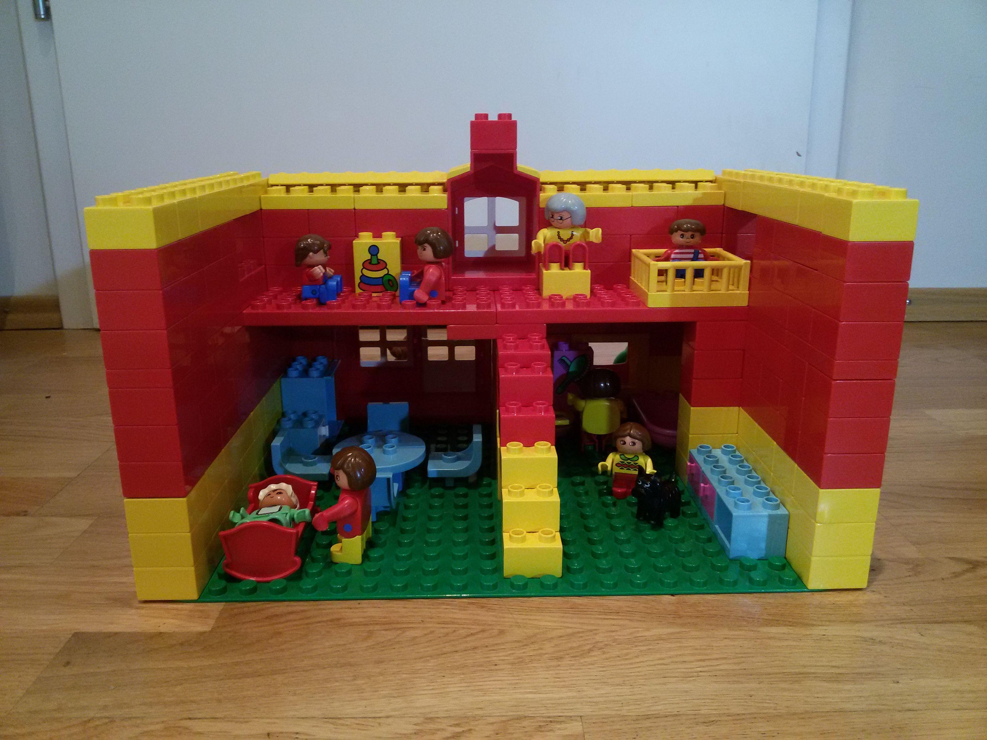 hier siehst du die bespielbare r ckseite von einem haus aus lego duplo diese und weitere. Black Bedroom Furniture Sets. Home Design Ideas