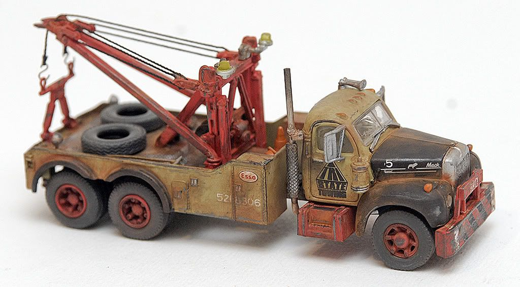 1/87 scale weathered Mack B tow truck   Weathered HO scale
