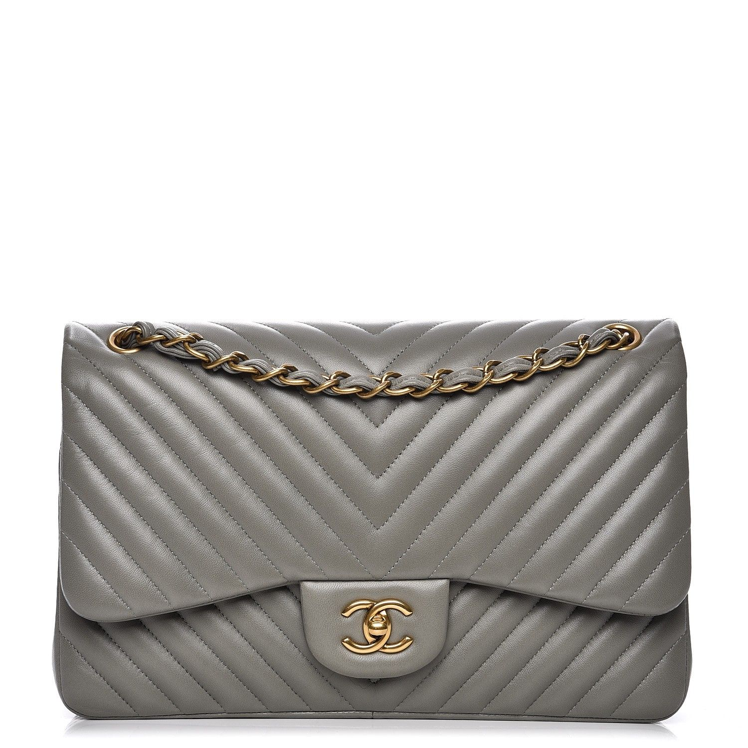 e680bc78ef8e This is an authentic CHANEL Lambskin Chevron Quilted Jumbo Double Flap in  Grey. This stylish