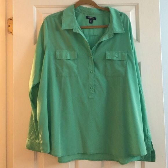 Old Navy button down Light wear but still with lots of life! Partial button down Old Navy Tops Button Down Shirts