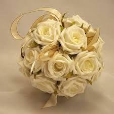 bouquet para bodas de oro rosas