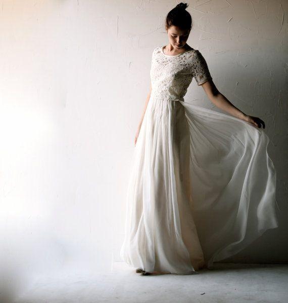 vestito da sposa in avorio e grigio pallido