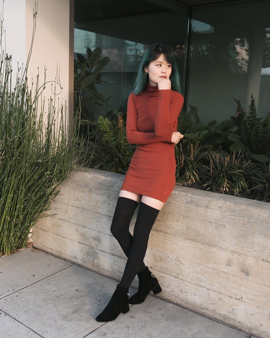 It girl dating diary outfits with boots