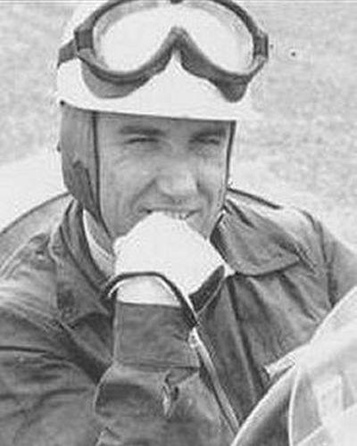 Kenneth McAlpine | Classic racing cars, Classic racing, Race cars