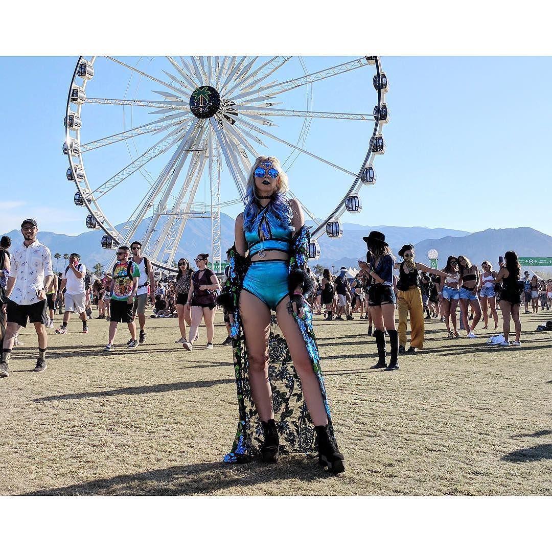 Coachella Day 2 #ootd  Coord: @indyanna_fashion  Kimono: @isolatedheroes  #Coachella #SophiesTravels #festivalootd #festivalfashion