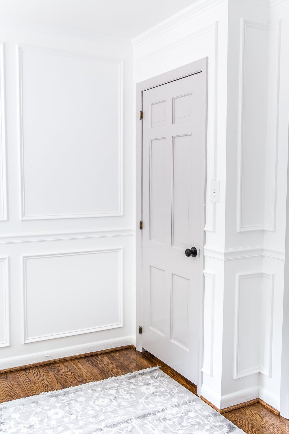 A Step By Step Tutorial For Painting Interior Doors To Make A Statement In Any Room Plus The B Painted Interior Doors Interior Door Colors Grey Interior Doors