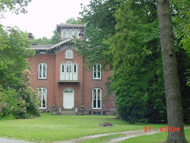 The Curtis Mansion Also Known As Round Hill In Mt Vernon Was Home