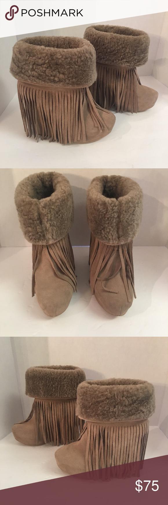 e18ae014b90 Koolaburra wedge fringe suede Shearling ankle boot Super nice pair a ...