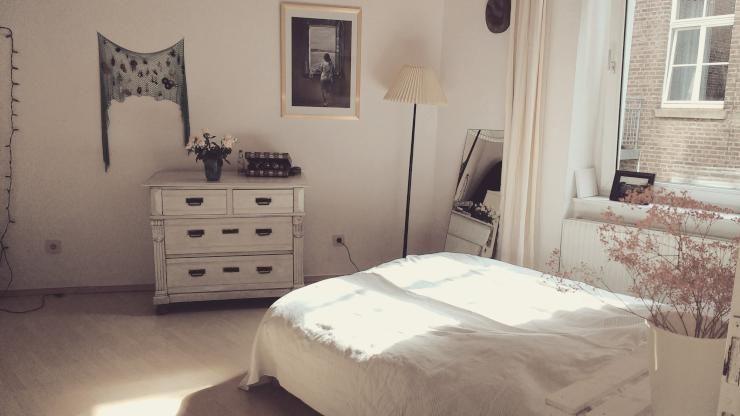 Schönes Schlafzimmer in Wohnung im Belgischen Viertel in ...