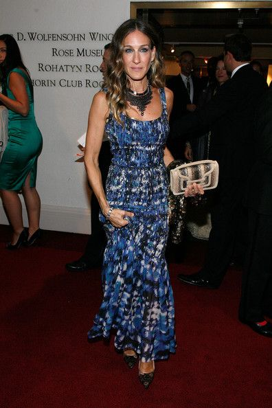 Sarah Jessica Parker spotted with the PIERRE HARDY Alpha clutch at the Carnegie Hall 2012-2013 season opening night gala in NYC. #pierrehardy #sjp #nyc