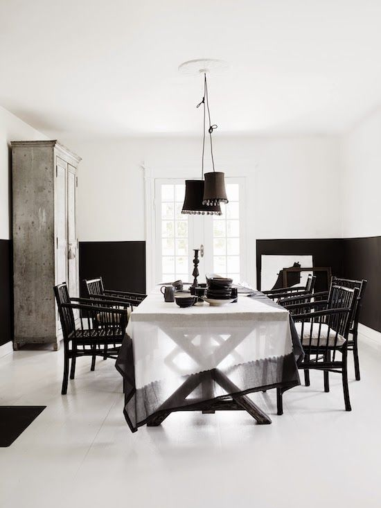 Tablecloths Are Charming Black And White Dining Room White Dining Room Decor White Dining Room