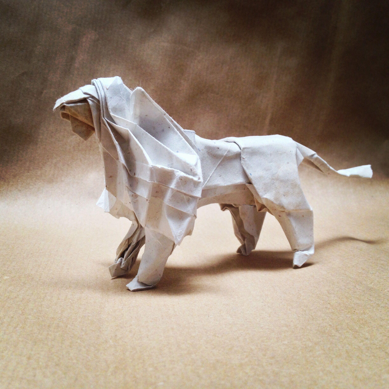 Leon De Satoshi Kamiya Plegado Por Mi Papel Banano Origami Paper